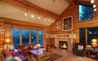 Освещение в деревянном доме с низкими потолками