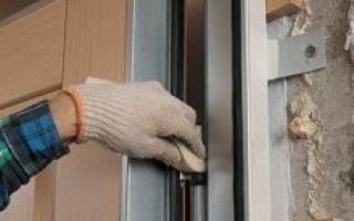 Монтаж входной металлической двери своими руками