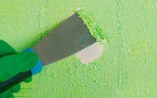 Как ободрать старую краску с потолка?