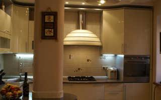 Как спрятать трубы на кухне вдоль стены?