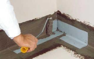 Герметизация пола в ванной и укладка плитки
